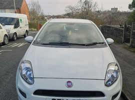 Fiat Punto, 2014 (14) White Hatchback, Manual Petrol, 33,000 miles
