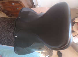 "17.5"" M/W Black leather GP Saddle"