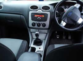 Ford Focus, 2011 (60) Black Hatchback, Manual Petrol, 111,000 miles