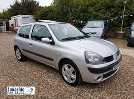 Renault Clio Dynamique 1.2 Litre 3 Door Hatch, New MOT, Excellent Service History, Cheap Insurance.