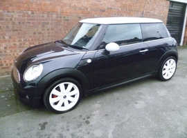 MINI COOPER D 6 SPEED, PARKING SENSORS, CLIMATE CONTROL & £20 A YEAR TAX