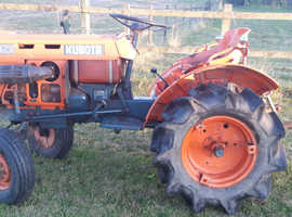 Kubota B7001E compact tractor in excellent working order £2250 ono