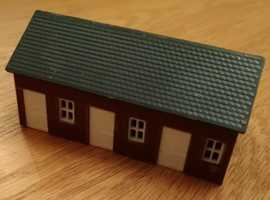Kestral Designs N Gauge GMKD34 Stable Block Already Assembled As New Condition