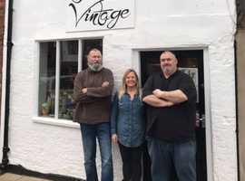 Fine and Vintage antiques and collectables shop