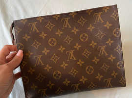Louis Vuitton clutch (toiletry pouch 26)