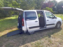 Citroen Berlingo E-HDI XTR Automatic Up front wheelchair passenger car, or disabled driver transfer, 14 day refund scheme, 9000 miles, GM Coachworks c