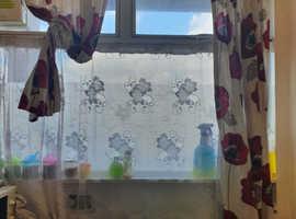 2 curtains