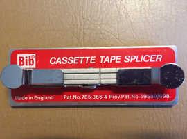 Casett tape splicer