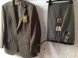 Never worn Wool Sports Jacket & Trousers.    Autumn colours.