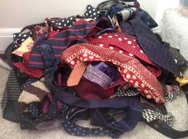 Ties/material
