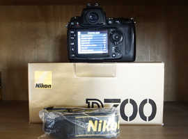 Nikon D700 + MB-D10 + Extras  Low shutter count.