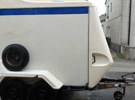 Indespension Tow a van 220D 1422KG MAM 4 wheel braked box trailer