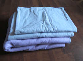 Cot sheets x 2 and 1 polyester fleecy cot blanket