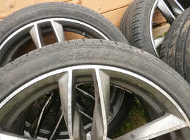 4 RS6 grey wheels with summer tyres ( not genuine Audi wheels). Audi A7 2011-2014