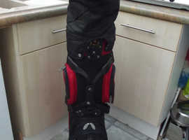 REGAL GOLF BAG BLACK & RED WITH SIX Dividers