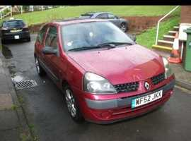 Renault Clio, 2003 (52) Red Hatchback, Manual Petrol, 130 miles