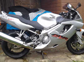 Honda CBR600FI 2001 Silver excellent condition low mileage