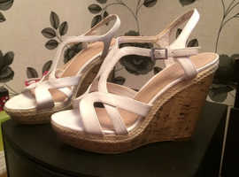 Womens wedge/shoes