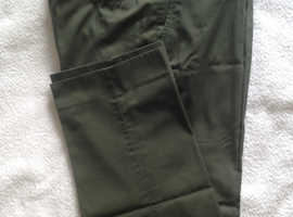 Men's olive green flat front trousers - Size 38
