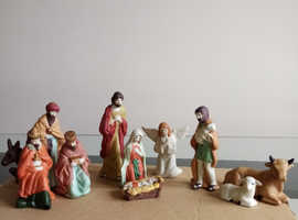 PORCELAINE NATIVITY SET
