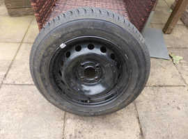 Renault Clio wheel and nearly new Michelin tyre.
