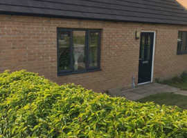 Beautiful 2 bed modern bungalow on the edge of peak district