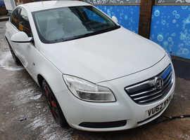 Vauxhall Insignia, 2013 (62) White Hatchback, Manual Diesel, 107,580 miles