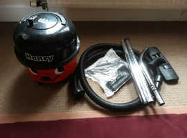Henry hoover with accessories gwo