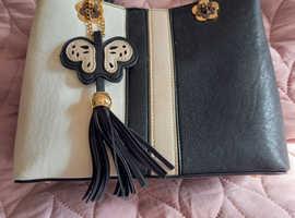 Ladies handbag immaculate condition