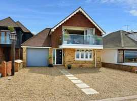 Detached 3 Bed Sea Front Home for Holiday Rental