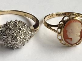 Ladies Jewellery 9ct Gold Diamond Cluster Ring & 9ct Gold Cameo Fully Hallmarked 375.