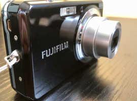 Fujifilm FinePix J7 compact camera