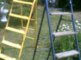 HANDY FOLD UP LADDERS