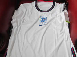 NEW ENGLAND SHIRT UNWORN WITH TAGS STILL INTACT