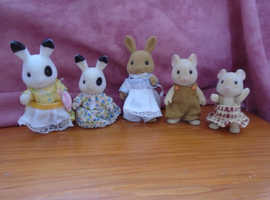 Sylvanian figures three rabbits and two hamsters