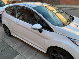 Ford Fiesta, 2015 (15) White Hatchback, Manual Petrol, 50,000 miles