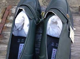 Men's grey shoes