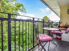 1 Bed Flat in Harlow with outdoor balcony overlooking forest
