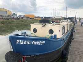 Dutch Barge Style Narrowboat - Piggin Arkful