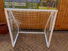 Garden Goal posts and net