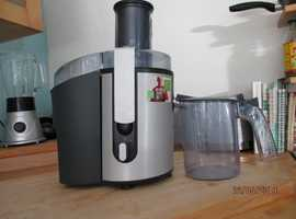 WHOLE FOOD PHILLIPS JUICER