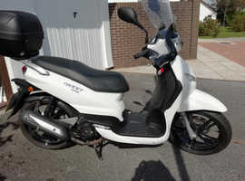 125 MOTOR SCOOTER PEUGEOT 125 cc TWEET 4 STROKE ,LIGHT AND EASY TO RIDE