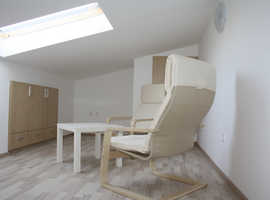 Professional laminate and hardwood floor installation