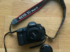 Canon EOS 5D Mark III Digital SLR Camera Canon 40mm f/2.8
