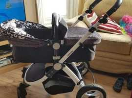Baby Pushchair/car seat Lovely Infababy 3 in 1 Travel system.