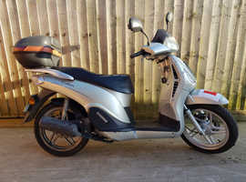 Can deliver Cf moto Echarm 125cc honda sh 125cc scooter moped