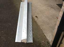 Metal lintel