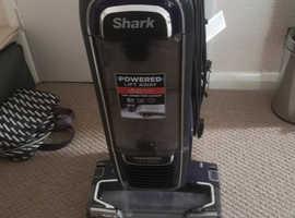Shark Powered Lift Away Duo Clean.