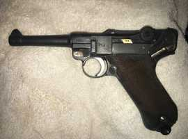 WW2 German 1942 Dated Luger Pistol