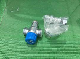14x Bulldog thermostatic mixing valve 22mm
